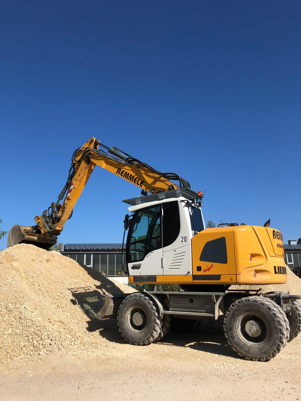 Liebherr Mobilbagger 914 compact